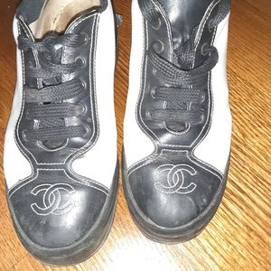AUTHENTIC CHANEL VINTAGE CC LOGO LACE UP SNEAKERS